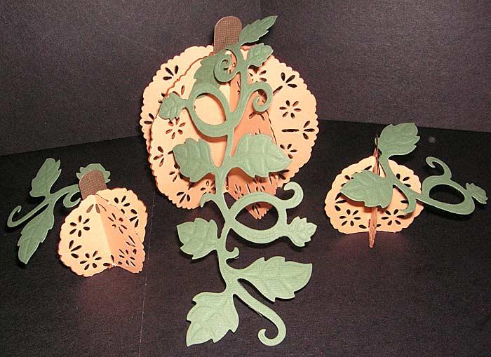 Eyelet-Pendant-Pumpkins
