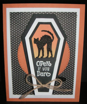 Open-if-you-dare-Cat-outside